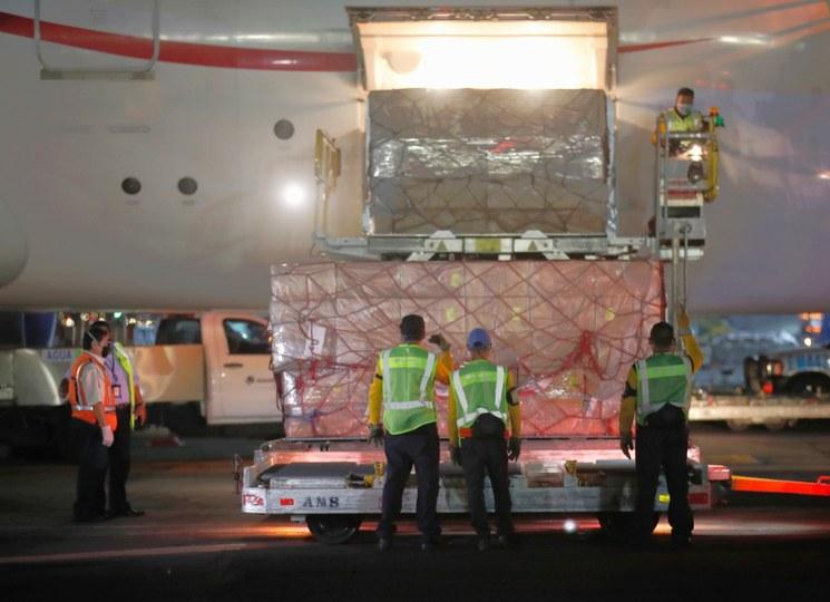 Vuelo desde Emiratos Árabes repatriará a 39 connacionales: SRE